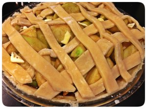 apple pie crust before